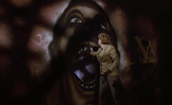 Candyman-1992-Official-Trailer-_-Fear-0-49-screenshot-600x369