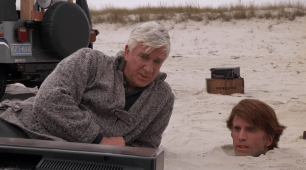 Creepshow-1982-Clip_-Beachfront-Cinema-HD-1-29-screenshot-600x333