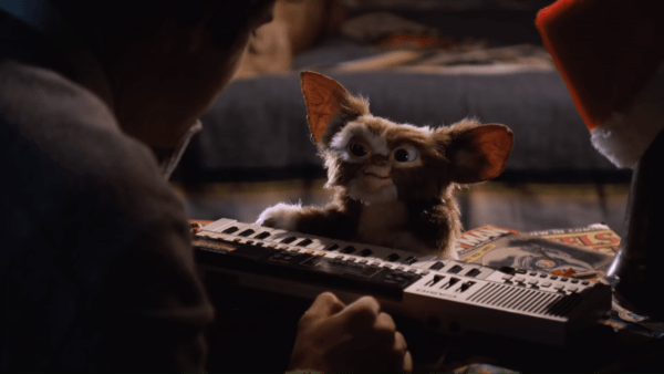 Gremlins-4K-Trailer-0-15-screenshot-600x338