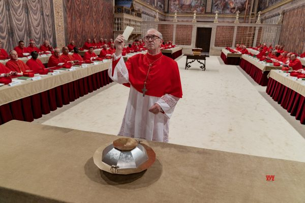 The-Two-Popes-cardinals-600x400