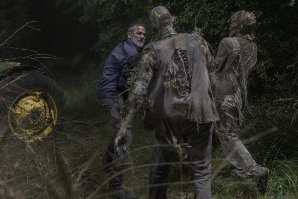 The-Walking-Dead-1003-3-600x400