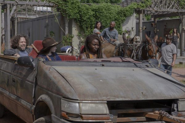 The-Walking-Dead-1004-1-600x400