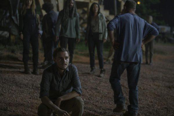 The-Walking-Dead-1004-13-600x400