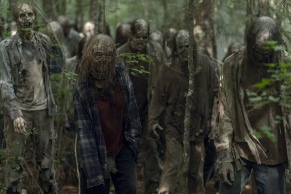 The-Walking-Dead-s10-ep2-19-600x400