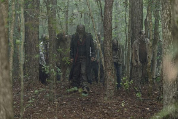 The-Walking-Dead-s10-ep2-22-600x400