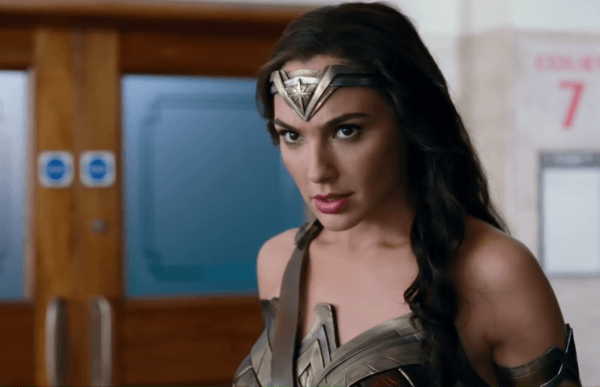 Wonder-Woman-Rescue-_-Justice-League-3-16-screenshot-600x387