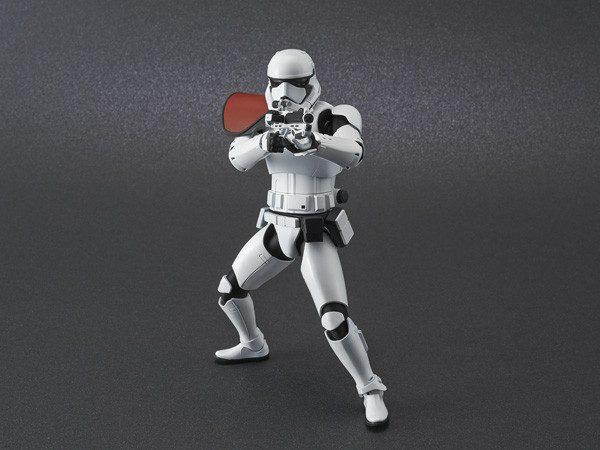 ep9_stormtrooper_action01-600x450