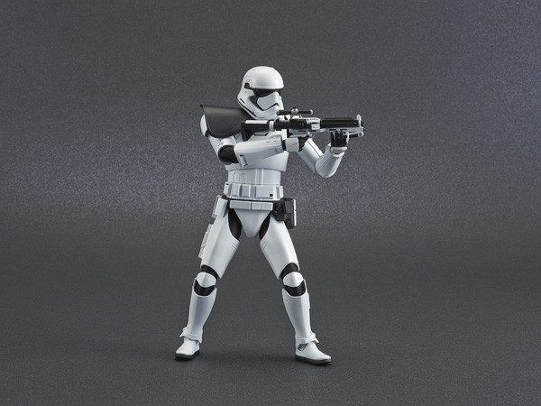 ep9_stormtrooper_action03-600x450