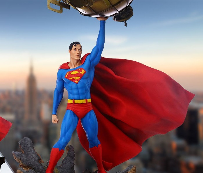 Superman gets a new collectible statue from Grand Jester Studios