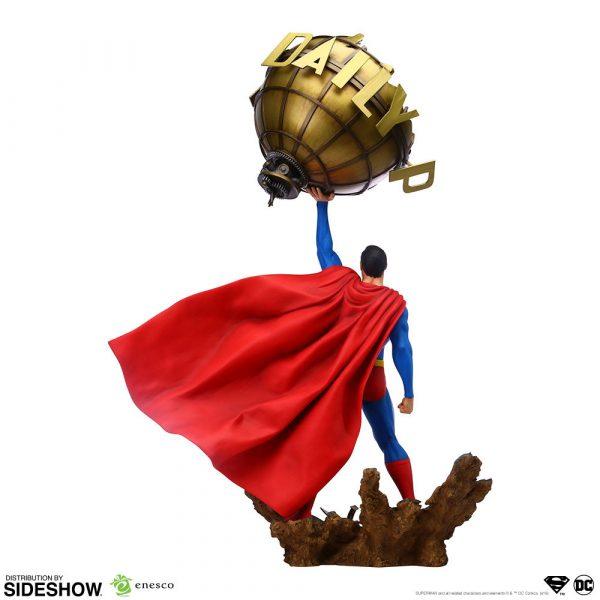 superman_dc-comics_gallery_5da63fda7d790-600x600
