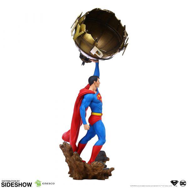 superman_dc-comics_gallery_5da63fdab402a-600x600