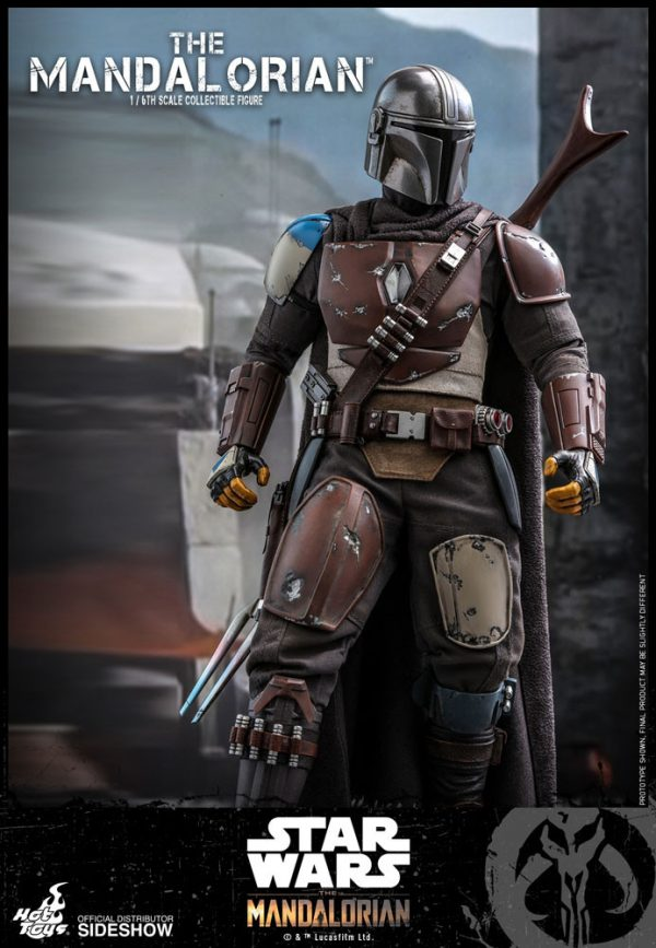 the-mandalorian-sixth-scale-figure_star-wars_gallery_5d96881a28bda-600x867