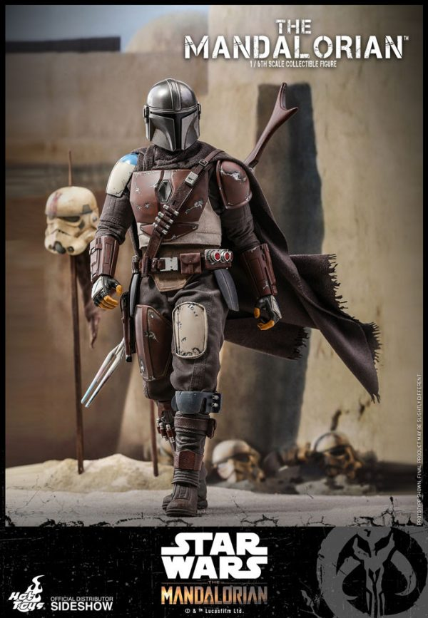 the-mandalorian-sixth-scale-figure_star-wars_gallery_5d96882b3231e-600x867