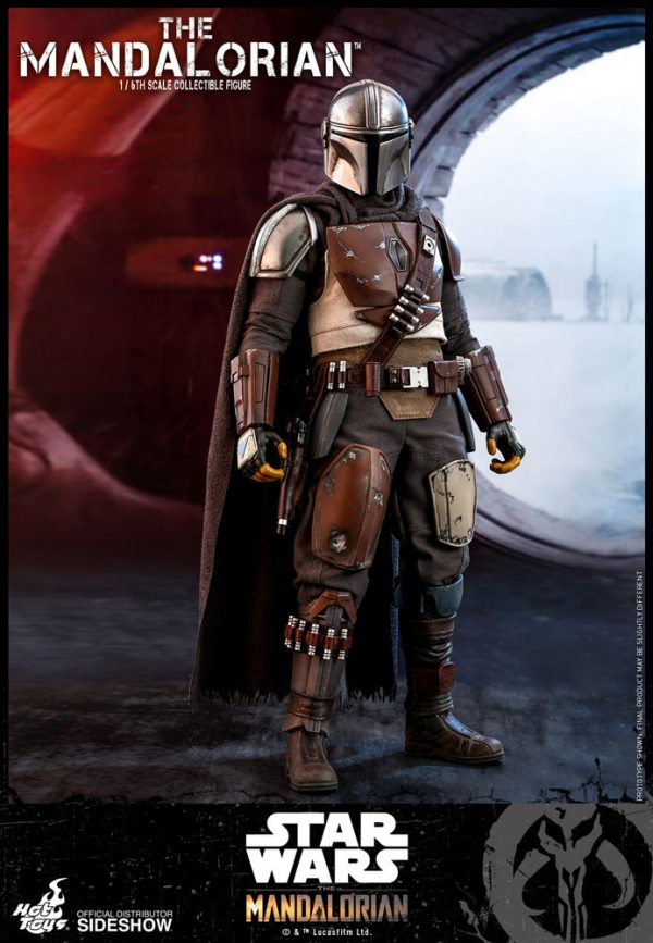 the-mandalorian-sixth-scale-figure_star-wars_gallery_5d96882d27f02-600x867