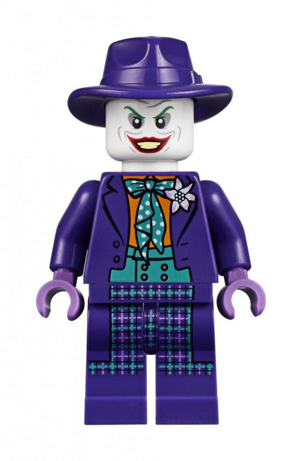 Batmobile-Batman-89-LEGO-11-600x917
