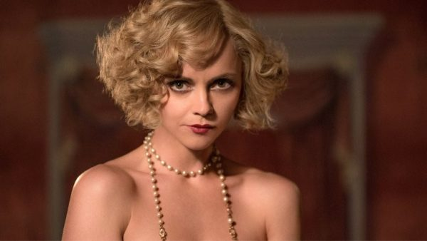 Christina-Ricci-Z-The-Beginning-of-Everything-600x338