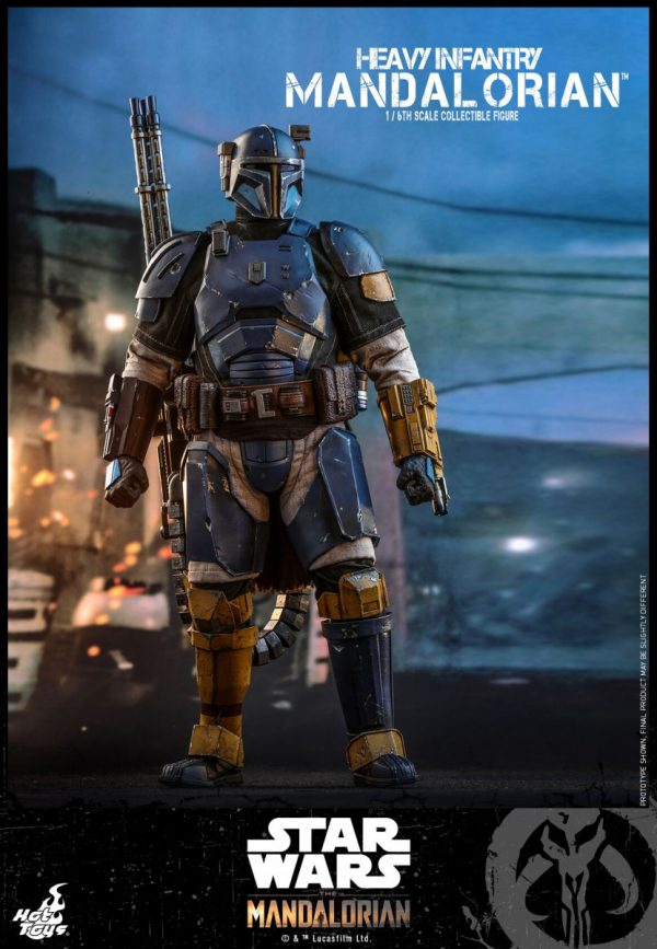 Hot-Toys-Heavy-Infantry-Mandalorian-figure-1-600x867
