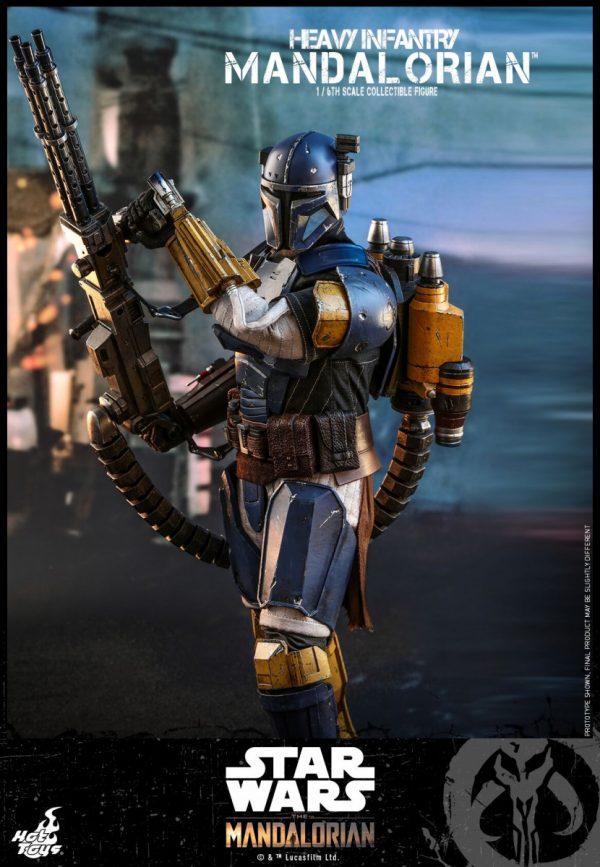 Hot-Toys-Heavy-Infantry-Mandalorian-figure-3-600x867