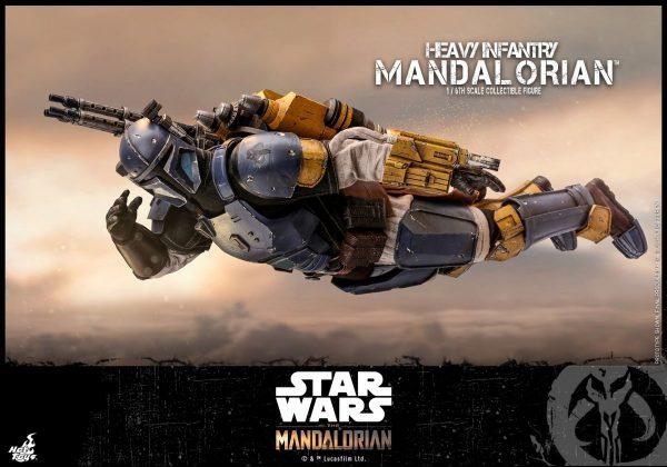 Hot-Toys-Heavy-Infantry-Mandalorian-figure-9-600x420