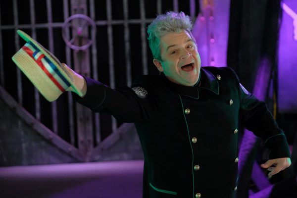 Patton-Oswalt-as-Max-in-MST3K-The-Gauntlet-_M13_03962-600x400
