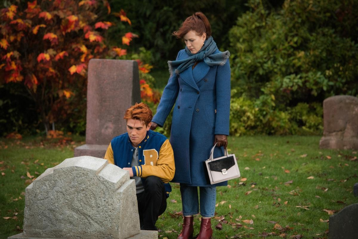 Promo and images for Riverdale Season 4 Episode 7 - 'The Ice Storm'