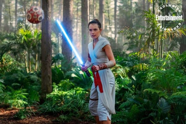 Star-Wars-Rise-of-Skywalker-EW-images-1-600x400