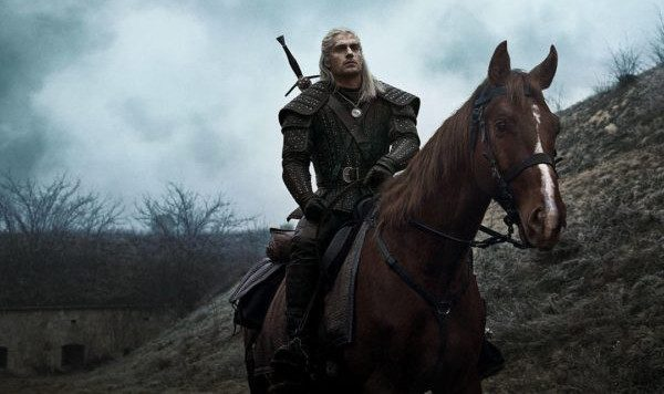 The-Witcher-Henry-Cavill-600x450-600x356