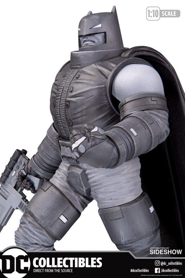 armored-batman_dc-comics_gallery_5dcdefd038b88-600x900