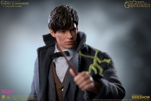 newt-scamander_fantastic-beasts-the-crimes-of-grindelwald_gallery_5dd3270565e15-600x400