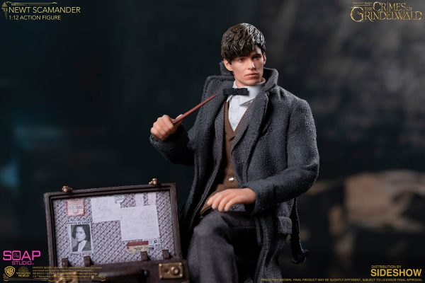 newt-scamander_fantastic-beasts-the-crimes-of-grindelwald_gallery_5dd32706042ec-600x400