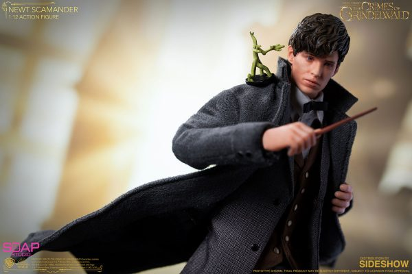 newt-scamander_fantastic-beasts-the-crimes-of-grindelwald_gallery_5dd327064d968-600x400