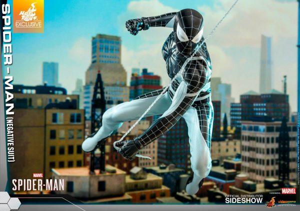 spider-man-negative-suit_marvel_gallery_5dbc74666f6b0-600x422
