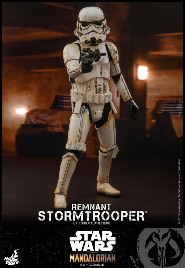 Hot-Toys-SWM-Remnant-Stormtrooper-collectible-figure_PR2-600x867