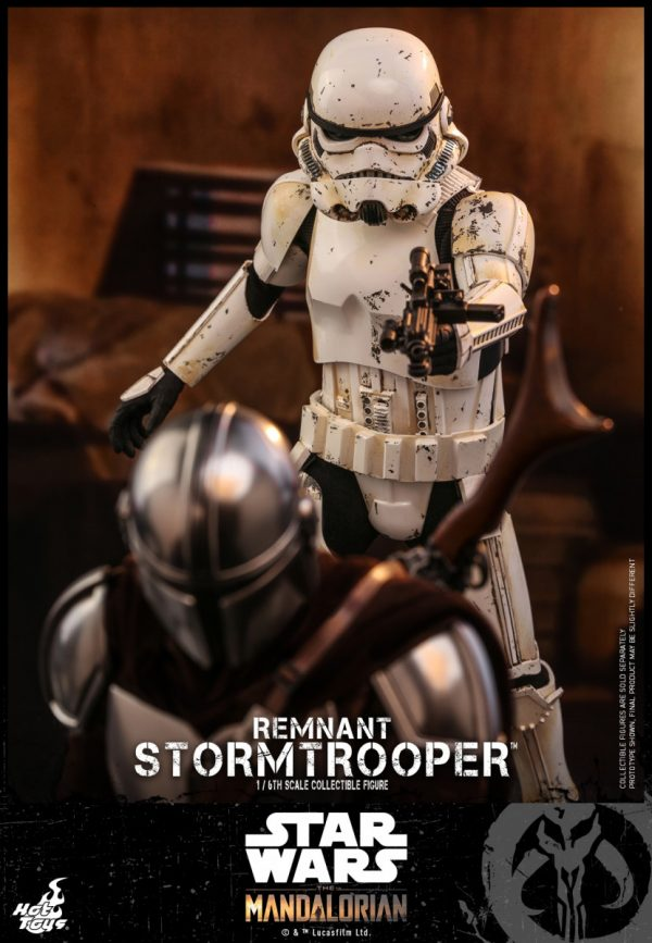 Hot-Toys-SWM-Remnant-Stormtrooper-collectible-figure_PR7-600x867
