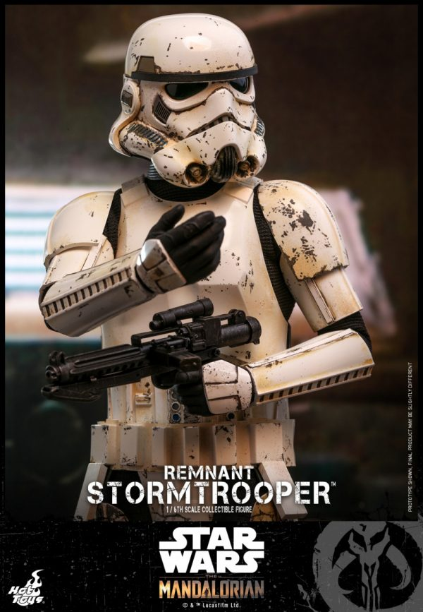 Hot-Toys-SWM-Remnant-Stormtrooper-collectible-figure_PR9-600x867