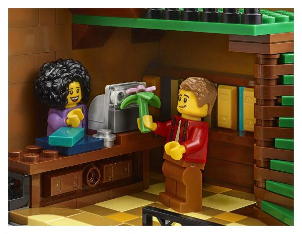 LEGO-Creator-Bookshop-10270-19-scaled-600x466