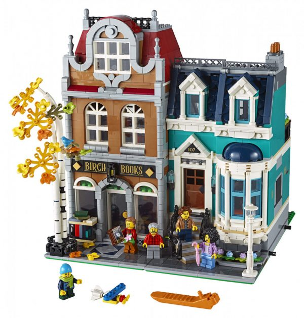 LEGO-Creator-Bookshop-10270-3-scaled-600x629