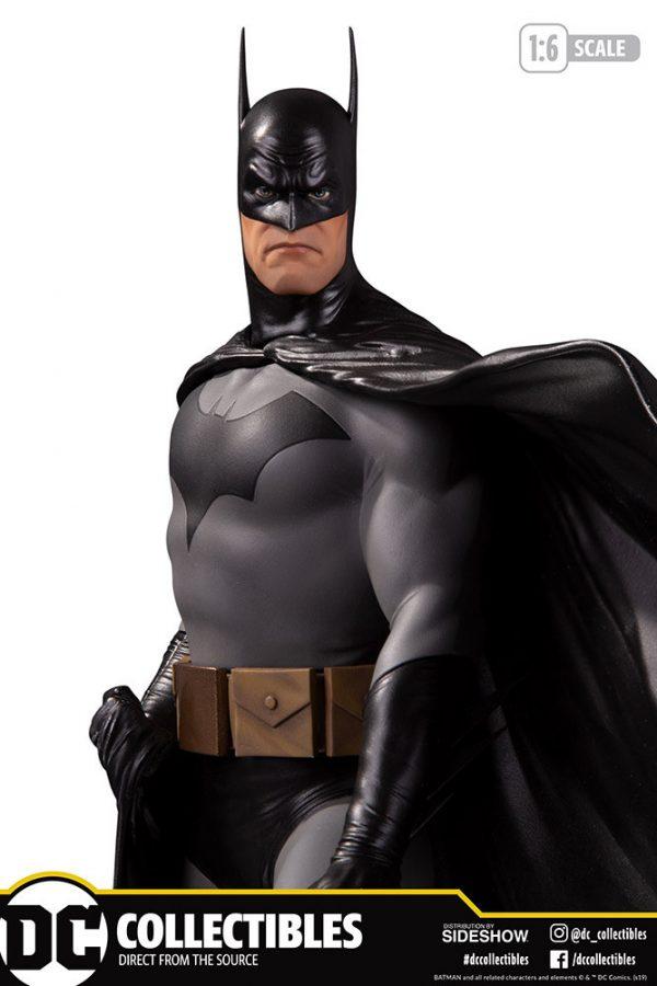 batman-deluxe_dc-comics_gallery_5df03f40333f8-600x900