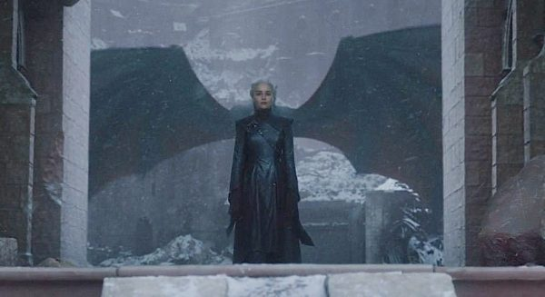 game_of_thrones_daenerys_with_wings-1-600x327