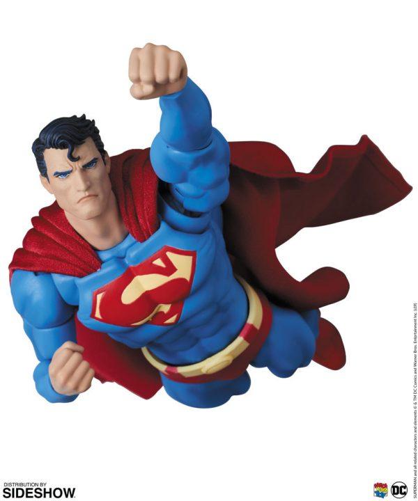 superman-hush_dc-comics_gallery_5de6fc0e9c3d5-600x720