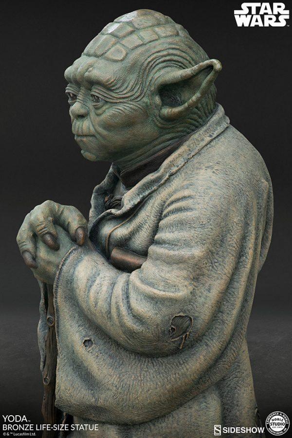 yoda-bronze_star-wars_gallery_5dddcde17f34b-600x900