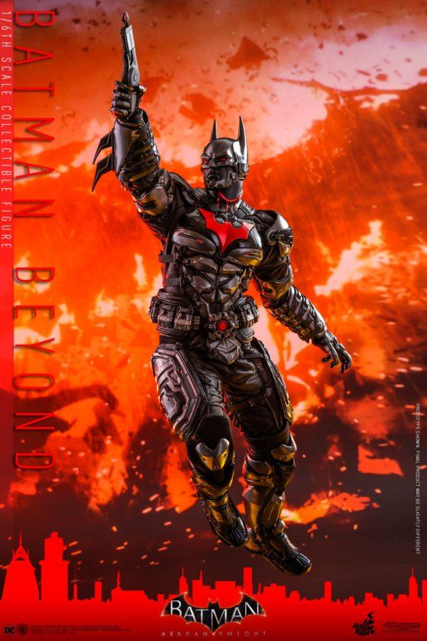 Hot-Toys-Batman-Arkham-Knight-Batman-Beyond-collectible-figure_PR11-600x900