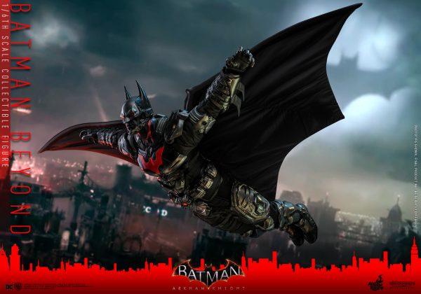 Hot-Toys-Batman-Arkham-Knight-Batman-Beyond-collectible-figure_PR15-600x420