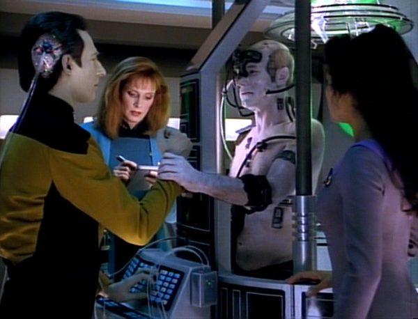 Star-Trek-TNG-Best-of-Both-Worlds-4-600x458