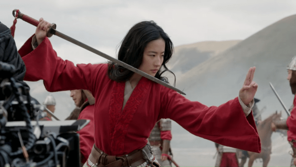 Disneys-Mulan-_-Stunt-Featurette-0-48-screenshot-600x338