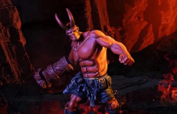 Hellboy-statue-1-600x600-1