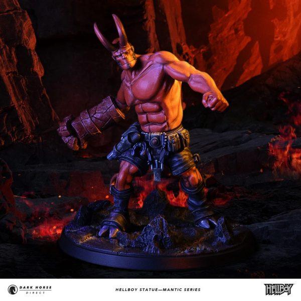 Hellboy-statue-1-600x600