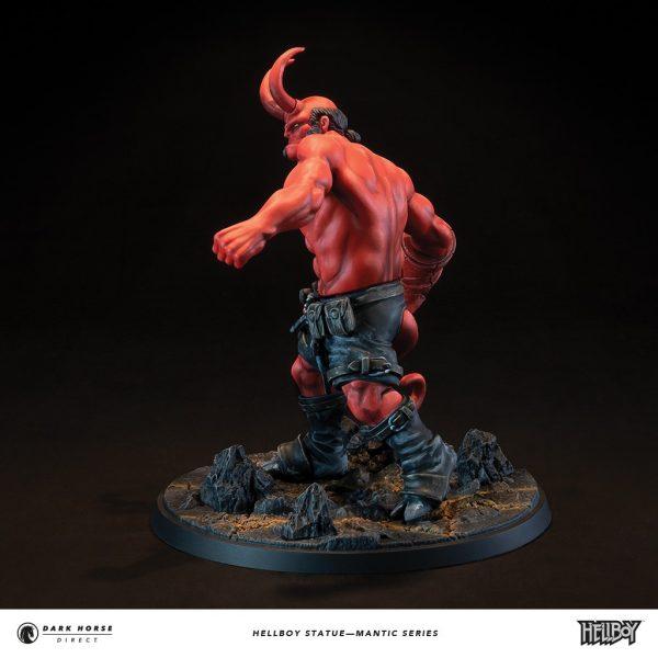Hellboy-statue-2-600x600
