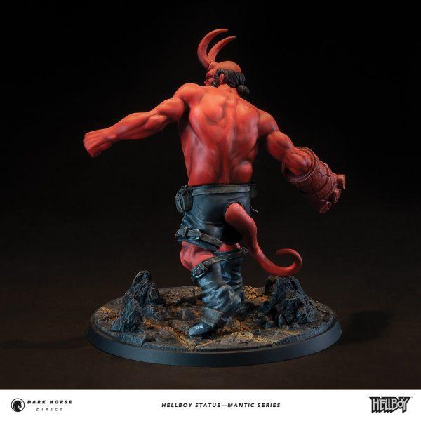 Hellboy-statue-3-600x600