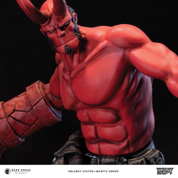 Hellboy-statue-6-600x600